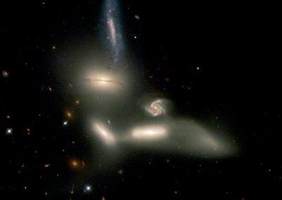 1B – ¿Cómo evolucionan las galaxias?