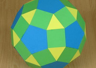 17A – Sé muchas matemáticas aunque nunca diga rombicosidodecaedro